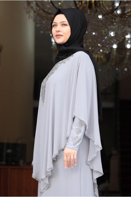 Pelerinli Taşlı Tesettür Elbise - Gri