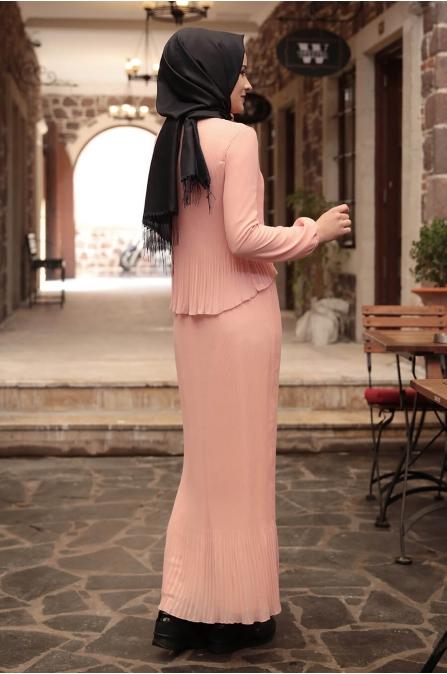 Şifon Piliseli Elbise - Pudra - Amine Hüma