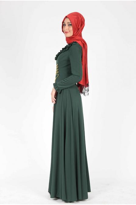 Zincir Detaylı Yeşil Elbise