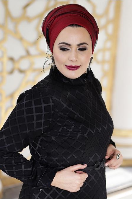 Nesrin Emniyetli - Gül Desenli - Siyah Elbise
