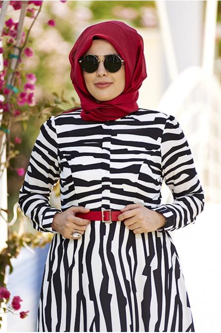 Siyah Beyaz Büyük Beden Metropol Elbise