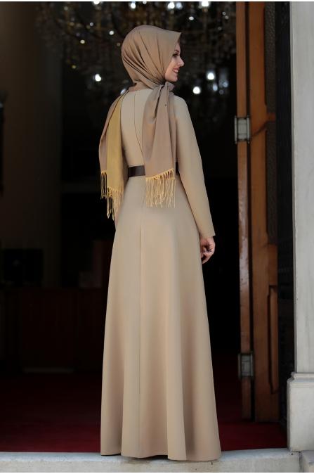 Ada İncili Kemerli Tesettür Elbise - Vizon